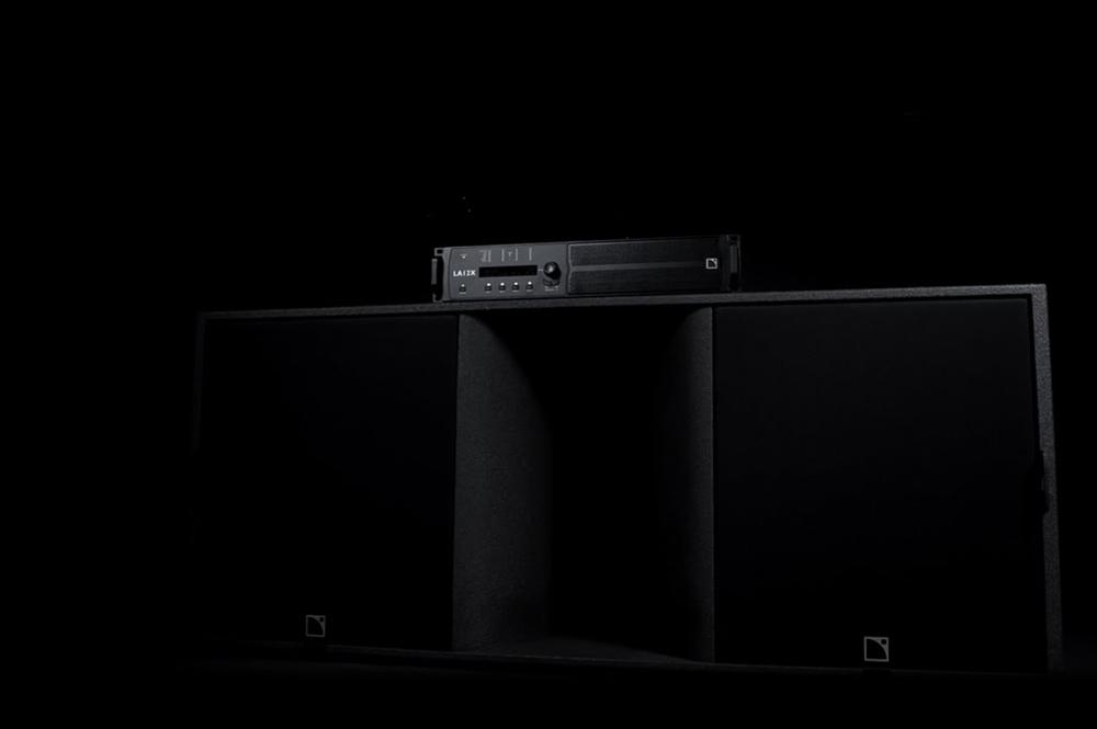 L-Acoustics LA12X Amplified Controller, 12000 Watt DSP gestuurde eindversterker