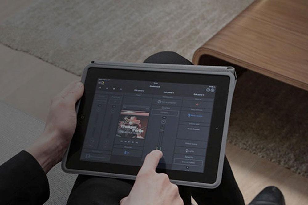 Audac Touch, volledige controle over uw audio systeem met de Touch app.