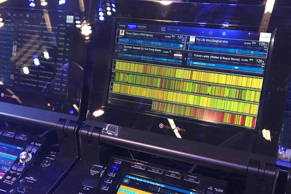 Pioneer DJM-TOUR1 en CDJ-TOUR1 Pro DJ Gear voor grote podia