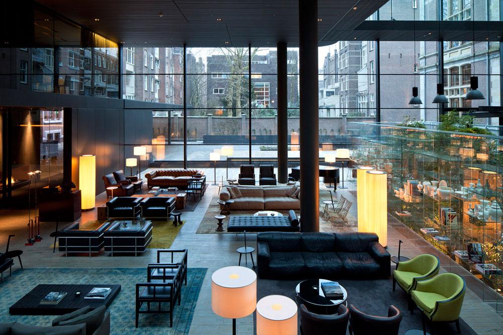 Lounge/DJ Bar Conservatorium Hotel Amsterdam ingericht met L-Acoustics