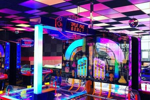AUDAC installatie bij Airhockey Hal Puck in Amsterdam