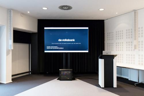 FBT Steerable Array in auditorium kantoor De Volksbank