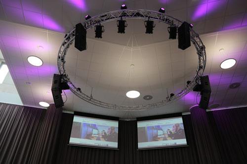 Nieuwe geluidsinstallatie voor auditorium Jan Tinbergen College in Roosendaal